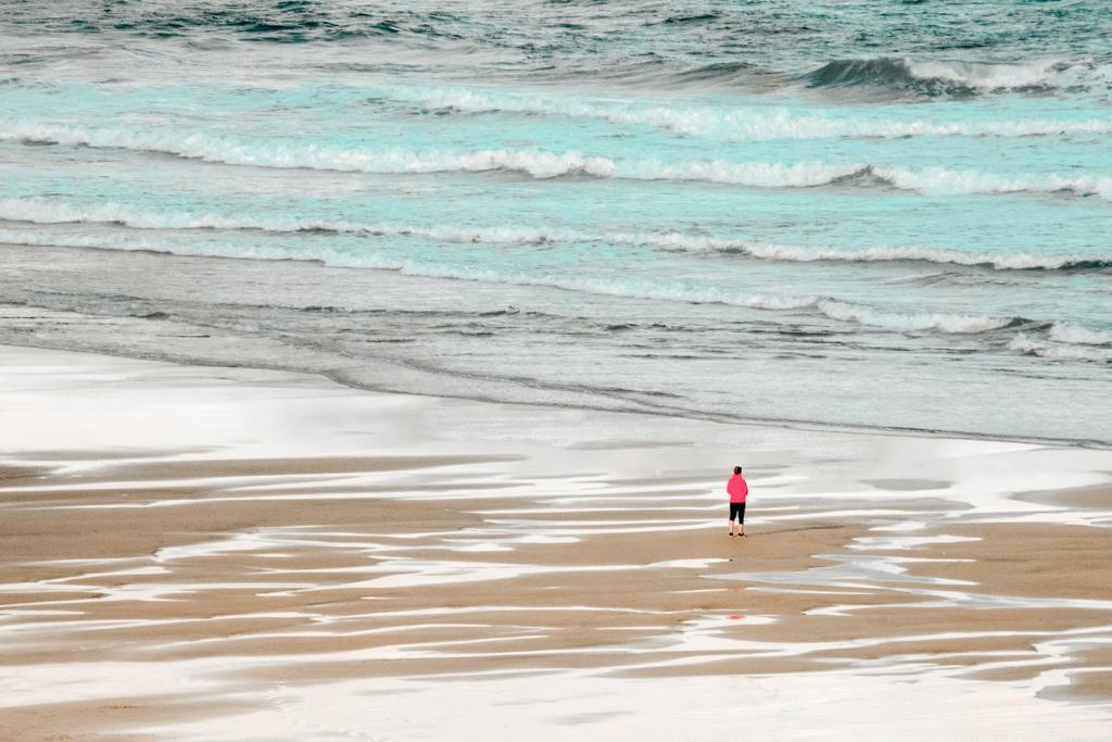 El amor en tiempos del coronavirus, playa sola, la tierra descansa,