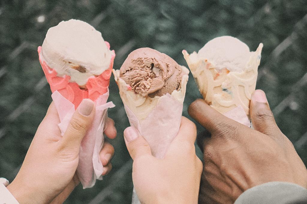 ¿Por qué a mi hijo adolescente no le gusta estar conmigo?, compartir un helado en familia,
