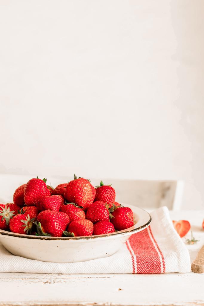 Deliciosas fresas con crema SIN BATIDORA
