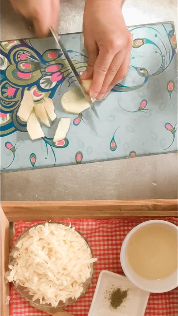 Cómo hacer una tortilla de papa con queso ¡Riquísima!
